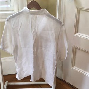 Tommy Bahama Tops - Tommy Bahama 100 % linen blouse w/ pearly buttons